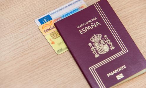 ¿A dónde pueden viajar los españoles sin visa?