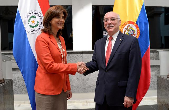 Colombia y Paraguay suscriben acuerdos para atención de migrantes y desarrollo agrícola