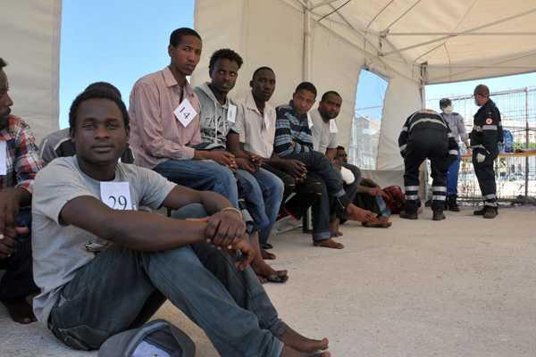 Italia deja de considerar como delito la inmigración