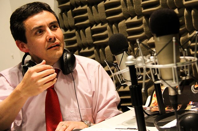 Álvaro Álvarez conversa con Rodrigo Sandoval sobre campaña informativa del DEM contra los contratos falsos