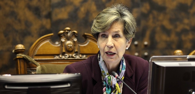 Presidenta del Senado pide a Bachelet que Directora de Servicio de Salud de Arica dé cuentas por retención ilegal de migrante boliviana