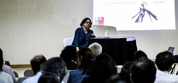 """Ministra Barattini: """"Debemos desplazar la cultura desde un lugar sectorial a un lugar central"""""""