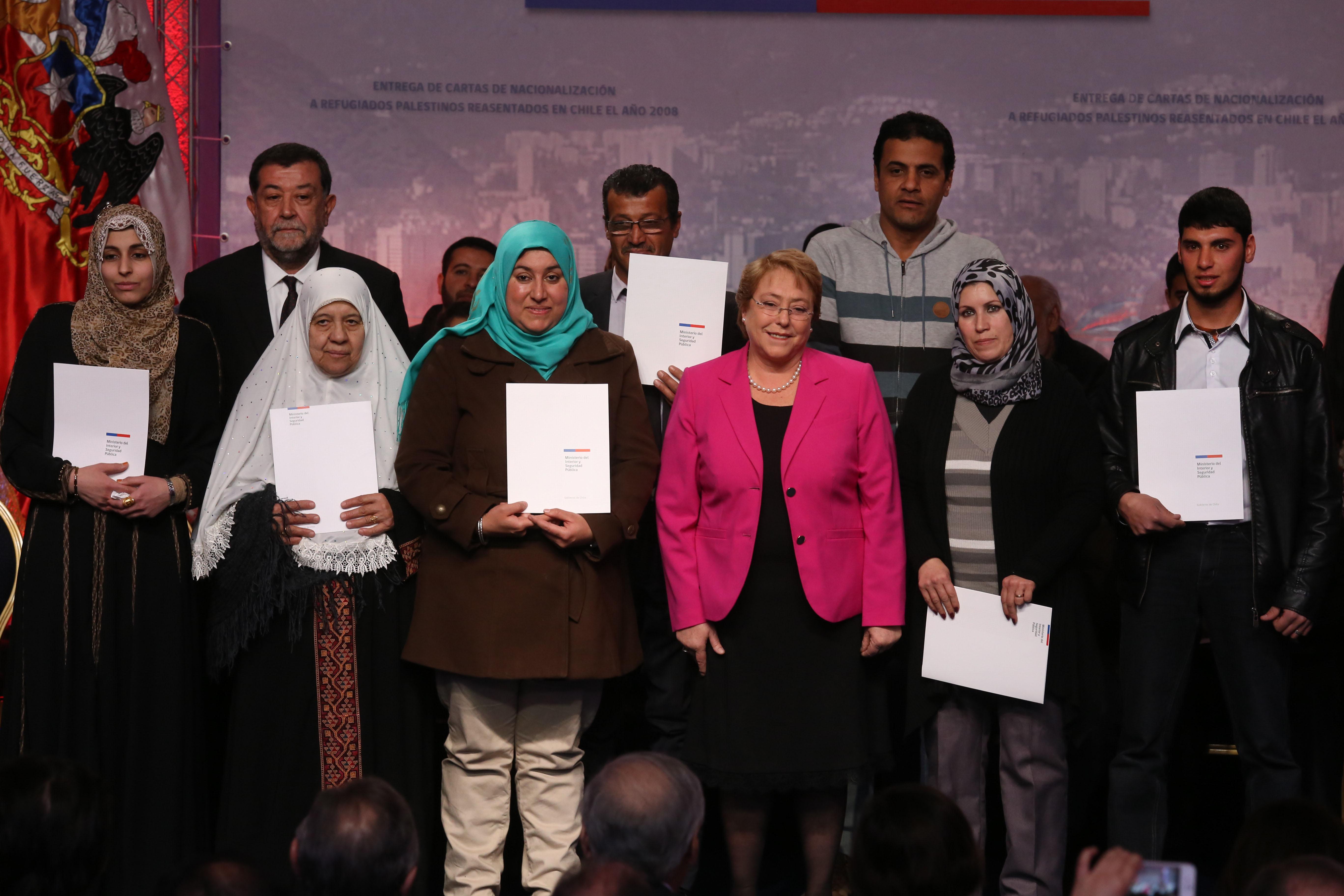 Chile entrega nacionalidad a 65 palestinos