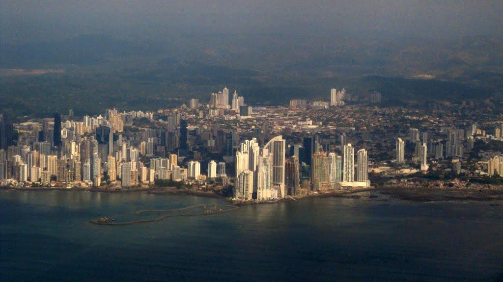 ¿Gentrificación o rehabilitación urbana en la Ciudad de Panamá? Entrevista al sociólogo Azael Carrera