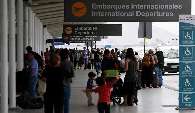 Fallo de la Corte Suprema cuestiona actuar de la PDI en la deportación de haitianos desde aeropuerto a inicios de marzo