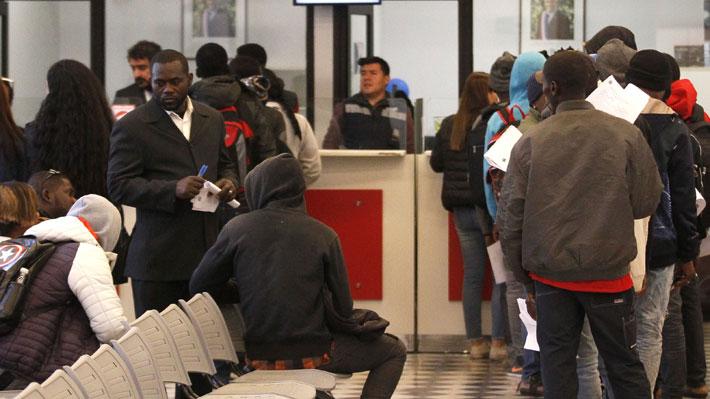 Expulsión de personas negras  V/S  Inclusión de haitianos ¿Dónde invertir?