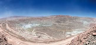 Conflicto Laboral en la Minera Escondida: la incorporación de la mediación  como instrumento de dialogo para el abordaje del conflicto existente.