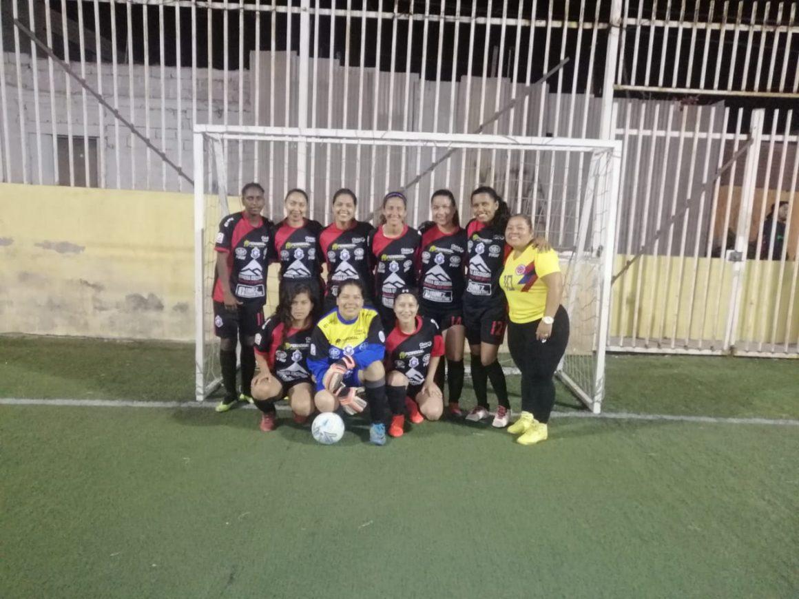 Colombianas crean equipo de fútbol femenino y empiezan a cosechar triunfos en Antofagasta