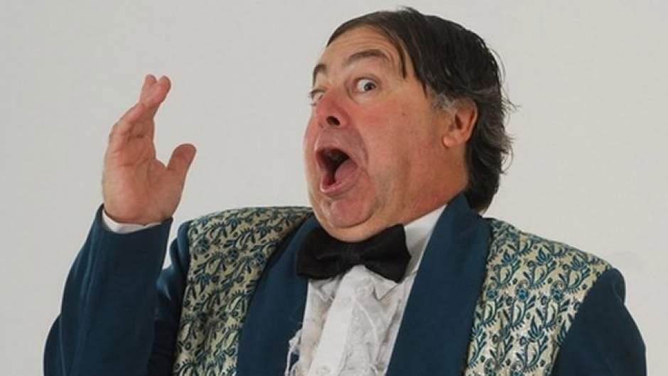 Para mi es fácil decirlo: o ciertos humoristas chilenos cambian su repertorio  o donde vayan oirán fuerte y claro: ¡Y… fuera!