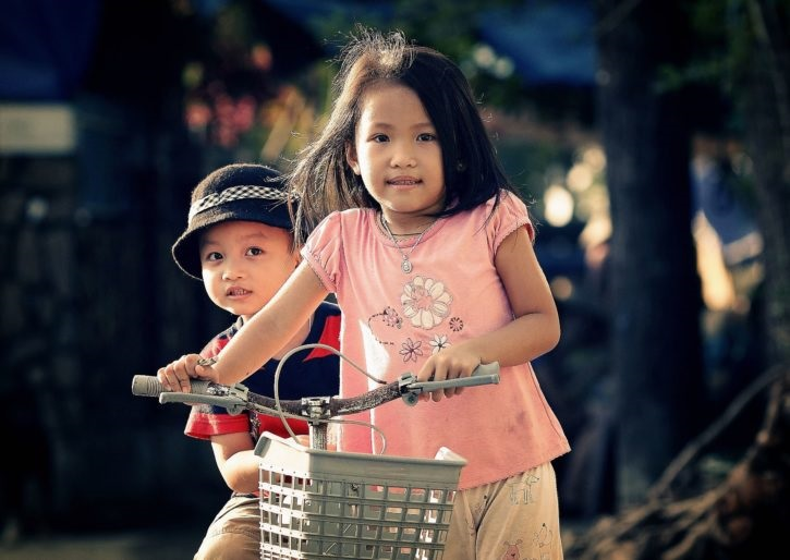 L@s niñ@s no tienen que que hacer guías o tareas: tienen que jugar