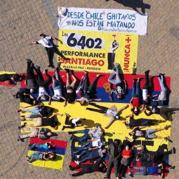 Diáspora colombiana en Santiago, realizó acto cultural en memoria de falsos positivos